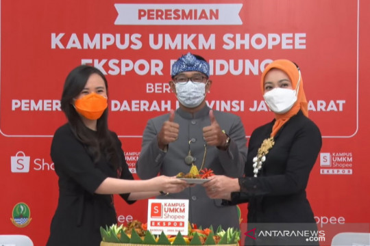 Ridwan Kamil resmikan Kampus UMKM Shopee dorong ekspor produk lokal