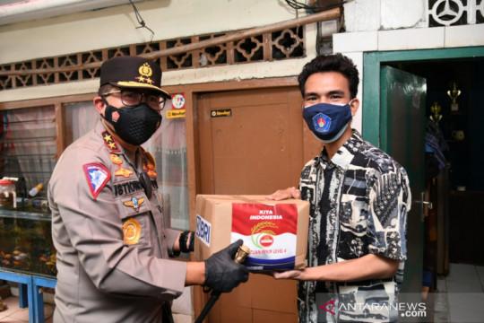 Polri-BEM Jakarta salurkan 1.000 paket sembako ke mahasiswa perantauan