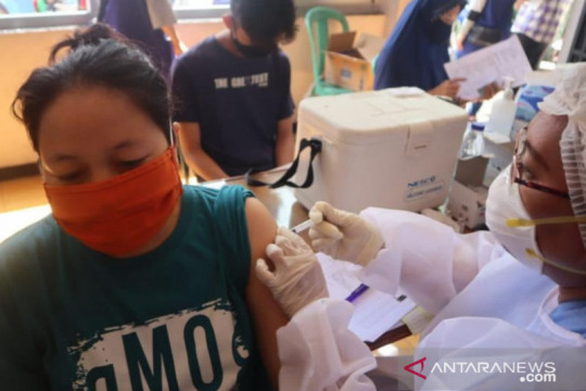 NasDem sasar 11.085 warga DKI Jakarta ikut vaksin massal