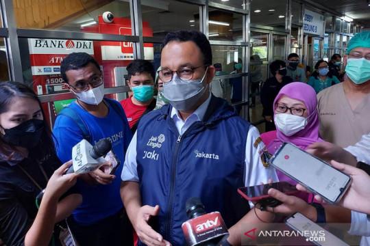 Anies larang pejabat syaratkan vaksinasi untuk pengambilan bansos