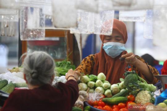 Kemendag: Tak harus syarat vaksin ke pasar rakyat, cukup prokes ketat