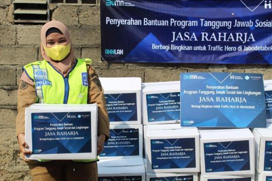 "Jasa Raharja-Human Initiative salurkan 225 paket untuk ""traffic hero"""