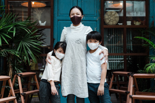 Cara dukung anak tumbuh bahagia meski saat pandemi menurut pakar