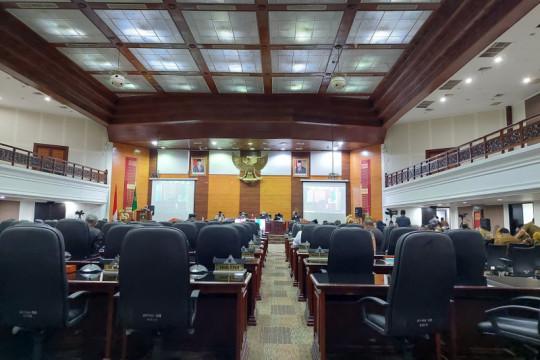 Anggota DPRD minta Gubernur sejalan dengan pusat hadapi pandemi COVID