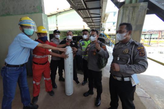 Lontar Papyrus Pulp berikan bantuan oksigen di Jambi