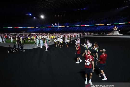 Para atlet berbaur budaya rayakan penutupan Olimpiade tanpa penonton