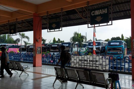 Terminal Kampung Rambutan berangkatkan 300 penumpang saat PPKM
