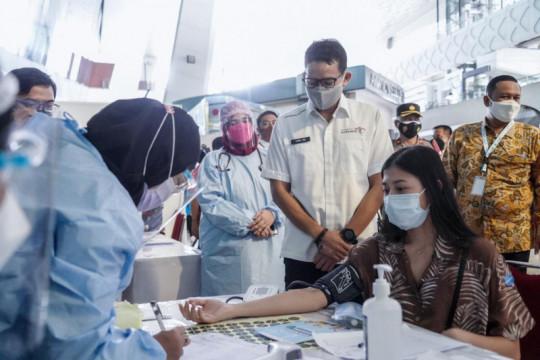 Sandiaga kunjungi Kepulauan Seribu, tinjau vaksinasi pelaku parekraf