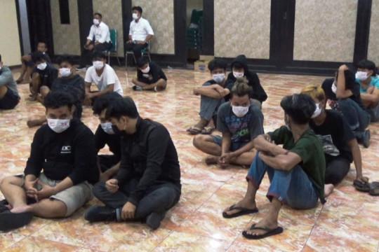 Polisi tangkap 28 terduga pelaku tarung bebas di Makassar