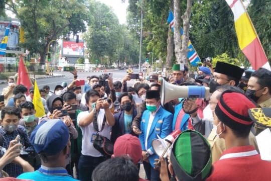 Wali Kota Mataram respon tuntunan mahasiswa tangani COVID-19