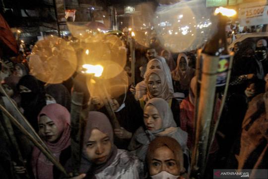 Warga gelar pawai obor sambut tahun baru Hijriah