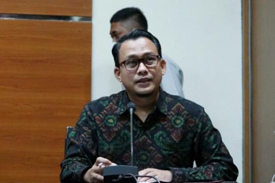 KPK perpanjang penahanan dua tersangka korupsi tanah di Munjul DKI