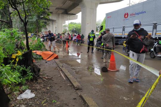 Keluarga bawa jenazah yang terbungkus kardus di Cakung ke Pemalang