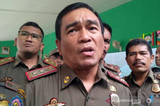 Satpol PP tutup 16 perkantoran di Jakarta Barat selama PPKM