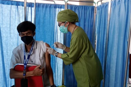 RSUD Mataram: 40 nakes ditunda divaksinasi dosis ketiga