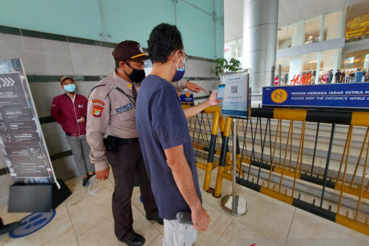 Masuk Mal Grand Indonesia wajib unduh aplikasi Peduli Lindungi