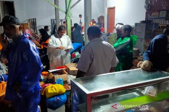 412 warga mengungsi akibat banjir dan longsor di Aceh Besar