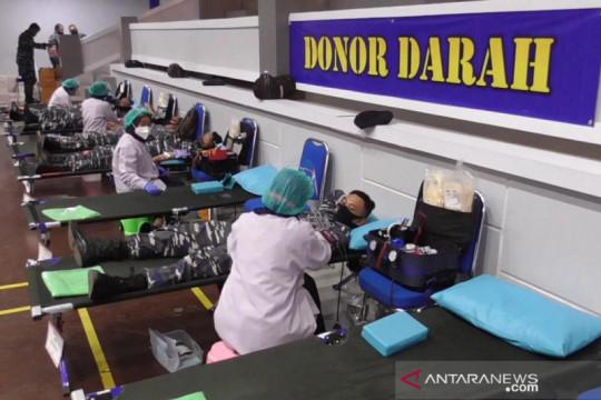 Ratusan prajurit TNI AL di Surabaya donorkan plasma konvalesen