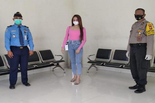 Polisi Palangka Raya  periksa wanita terduga pemalsuan dokumen PCR