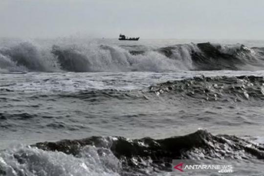 Gelombang setinggi 6 meter berpotensi terjadi di perairan Indonesia
