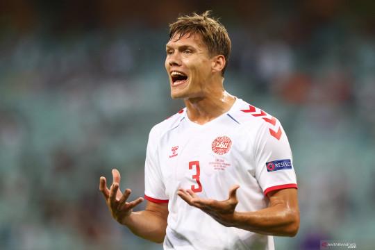 Leicester rampungkan transfer Jannik Vestergaard dari Southampton