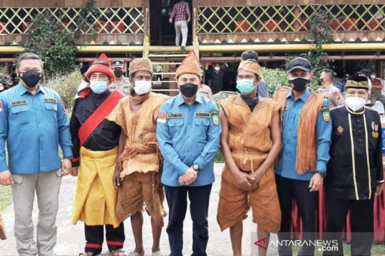 270 warga Adat Sakai Bengkalis Riau disuntik vaksin COVID-19