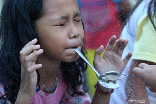 Warga menggelar lomba jelang HUT Kemerdekaan Indonesia