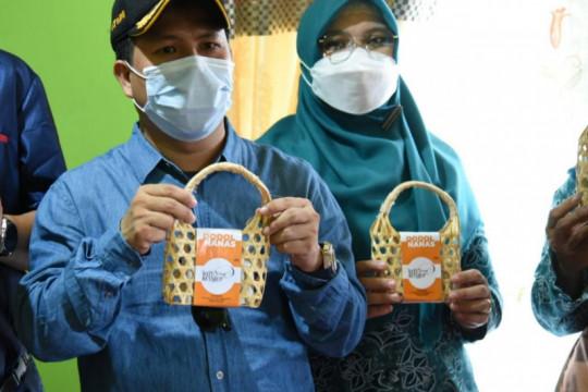 Bupati Sambas dukung PKK Tempapan kembangkan produk hilir dari nanas