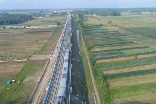 Kemenhub selesaikan pembangunan jalur KA Bandara YIA lebih awal