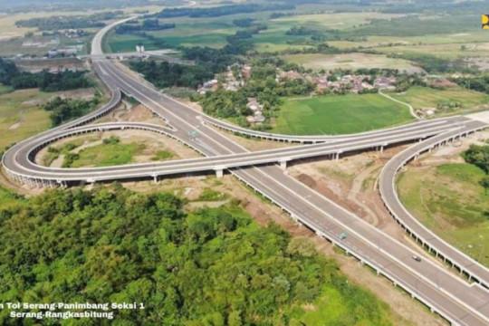 Sambut HUT Kemerdekaan RI, PUPR persembahkan tiga ruas tol baru