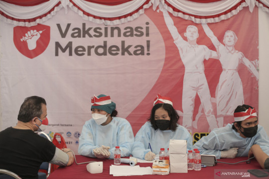Gerai Vaksinasi Merdeka