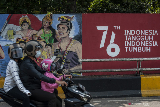 Mural bertema HUT ke-76 RI