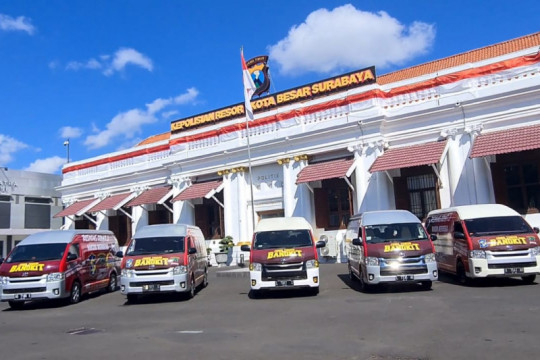 Mobil respons cepat vaksin keliling mulai beroperasi di Surabaya
