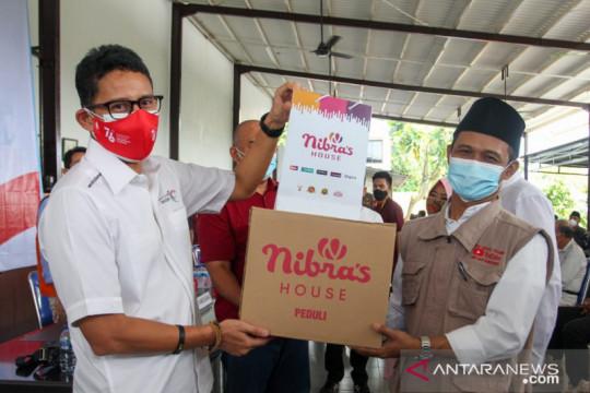 Sandiaga Uno salurkan 20.000 paket sembako saat HUT Ke-76 RI