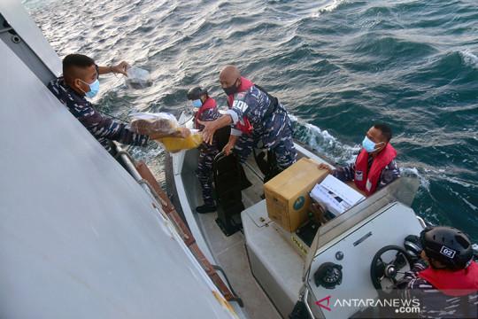 Laut Arafuru pun diarungi demi mengemban misi vaksinasi