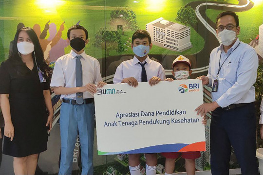 BRI Kanwil Malang beri beasiswa untuk anak tenaga pendukung kesehatan