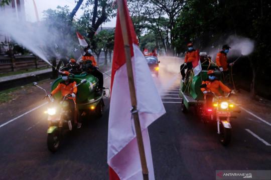 Warga Desa Sumerta Kelod-Denpasar rayakan HUT RI dengan desinfektan