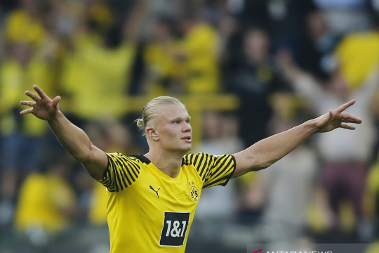 Pelatih Dortmund yakin Haaland akan bertahan bila raih trofi musim ini