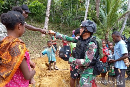 Satgas TNI layanan kesehatan gratis warga perbatasan RI-PNG