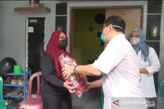 KPPPA serahkan bantuan untuk anak terdampak COVID-19 di Cakung