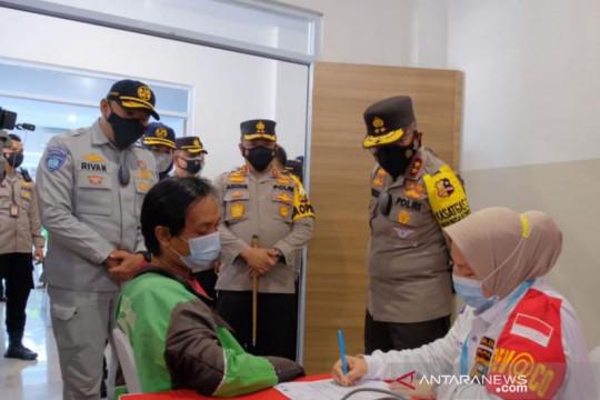 Kakorlantas Polri tinjau Vaksin Center Polda Riau