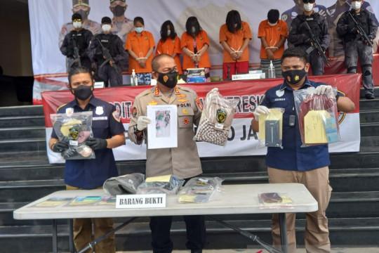 Polda Metro tangkap tiga perempuan sindikat copet di pasar