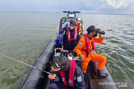 Basarnas perluas lokasi pencarian tujuh korban kapal terbalik