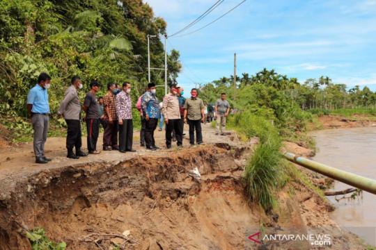 Gubernur upayakan perbaikan jalan terban Padang Pariaman dibantu BWS