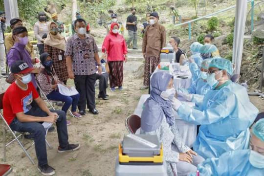 Vaksinasi COVID-19 pelaku wisata siapkan destinasi terima kunjungan