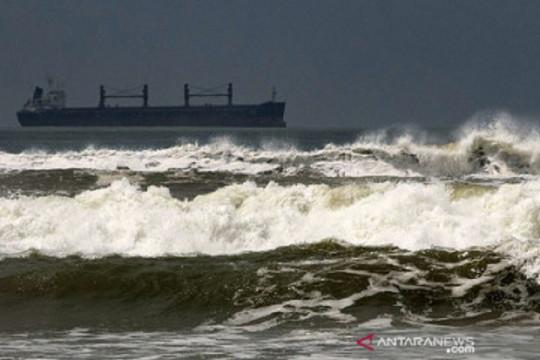 Siklon berpotensi memicu gelombang tinggi di sejumlah wilayah