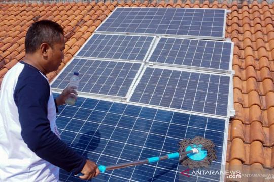 Guru Besar ITS harapkan pemerintah turunkan biaya modal PLTS atap