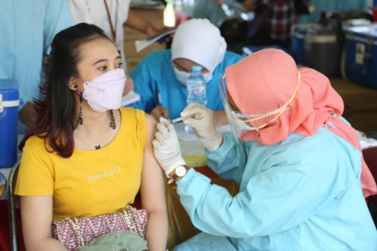 Epidemiologi sarankan Surabaya tidak cepat puas atas capaian vaksinasi