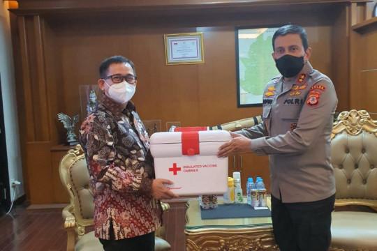 "PT PP serahkan ""vaccine carrier"" ke Polda Jawa Barat"