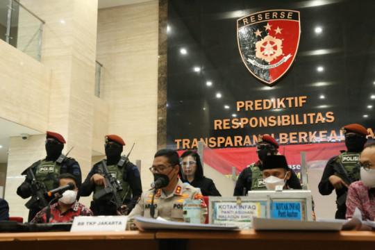 Kemarin, Moeldoko ancam adukan ICW hingga 53 teroris ditangkap